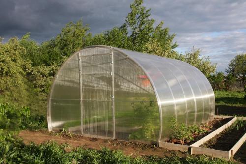 skleník LANITPLAST DNĚPR 3,14x6 m PC 8 mm