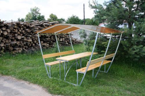 zahradní zastřešená lavička LANITPLAST TIRUP 3 / bronz PC 8 mm